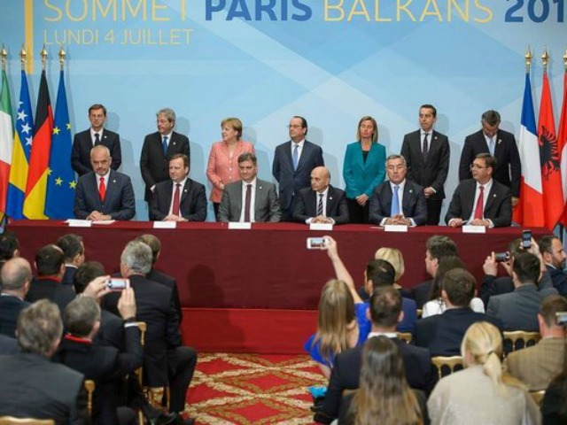 The signing ceremony in Paris. Photo: Government of Montenegro.